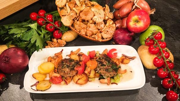 Rezept: Kalbfleischpflanzerl mit Bratkartoffeln-Andreas Geitl