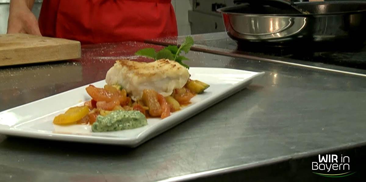 Fischfilet mit Kartoffel-Ratatouille und Zitronenpesto