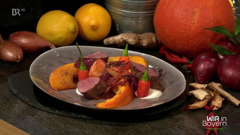 Rehrücken mit bayerischer Chilisoße und Ofenkürbis